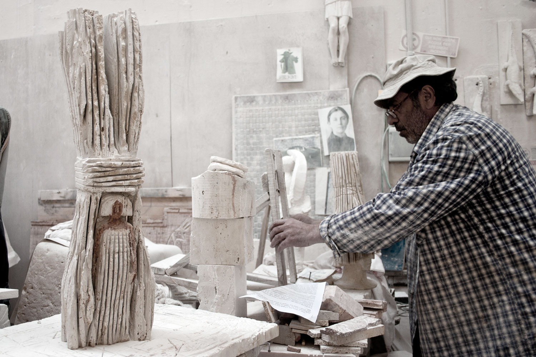 Girolamo Ciulla nel suo studio